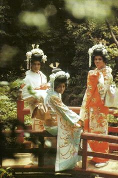 The Supremes, 1966.  Even famous people try out the henshin look!