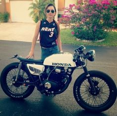 sport bikes pictures: Honda Cafe Racer Girl