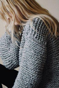 KNITTING PATTERN ⨯ Chunky Knit Sweater, Cozy Jumper ⨯ Easy Knitting Pattern, Chunky Wool Jumper Pullover ⨯ Knit Sweater Pattern – Knitting patterns, knitting designs, knitting for beginners. Easy Sweater Knitting Patterns, Knit Patterns, Knitting Sweaters, Loose Knit Sweaters, Lace Sweater, Cardigan Pattern, Knit Cardigan, Ravelry, Chunky Wool