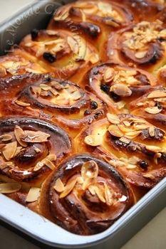 Salem alaykoum, bonjour a tous; J'ai déjà posté sur mon blog une très bonne recette de chinois ICI , grâce a Sylvia de cuisinetestee , j'ai pu découvrir une autre version pour préparer cette viennoiserie, et c'est une recette parfaite, a faire et refaire,...