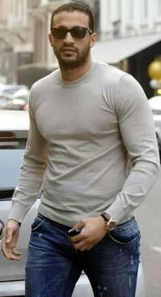Badr Hari with a weight of 109 kg and a feet size of 12 in favorite outfit & clothing style