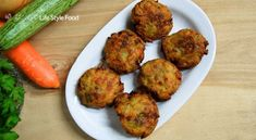 Fragrant zucchini fritters, a tasty appetizer especially for vegeterians. Served hot and accompanied with yogurt sauce or red sauce. Fried Peppers, Zucchini Fritters, Yogurt Sauce, Frying Oil, Red Sauce, Yummy Appetizers, Feta, Carrots, Greek