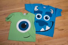 mike and sulley shirts using heat transfer vinyl! Travis & I Halloween Sully Costume Diy, Mike And Sully Costume, Mike Wazowski Costume, Monsters Inc Shirt, Sully Monsters Inc, Monster Inc Birthday, Monster Inc Party, Disney Halloween, Halloween Shirt