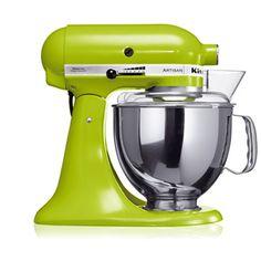 """KitchenAid Artisan Robot de Cozinha – Verde Maçã <3 """"A personalidade de um cozinheiro expressa-se na criação de sensuais experiências culinárias que englobam todos os sentidos, incluído a visão. A KitchenAid considera as suas batedeiras como uma extensão criativa das mãos do cozinheiro, proporcionando um óptimo controlo a nível profissional. Esta Batedeira Artisan™ Chefe Tilt é tudo isso e tem um design icônico."""""""