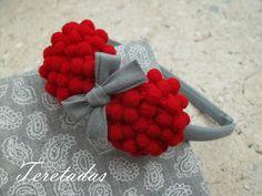 Baba Marta, Diy Baby Headbands, Pom Pom Crafts, Rick Rack, Crochet Videos, Wedding Gifts, Raspberry, Hair Accessories, Fruit