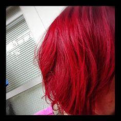 WEBSTA @ etsuko__y - 真っ赤っかにしてみた♡保育園のお迎え行ったら子供たちにじろじろ見られる(笑) #赤#red #color#美容師ならでは…