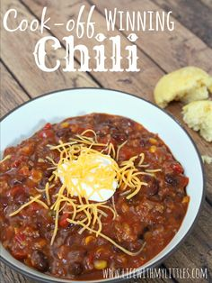 Cook-Off Winning Chili: The best and easiest chili to help you win those chili cook-offs! And it only has five ingredients! Cook-Off Winning Chili: The best and easiest chili to help you win those chili cook-offs! And it only has five ingredients! Best Chili Recipe, Chilli Recipes, Gourmet Recipes, Crockpot Recipes, Cooking Recipes, Healthy Recipes, Simple Chili Recipe, Blue Ribbon Chili Recipe, Yummy Recipes