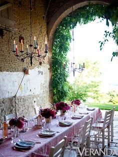 Who wouldn't want an invitation to have dinner in Kathryn Ireland's French barn?  Yes, please!