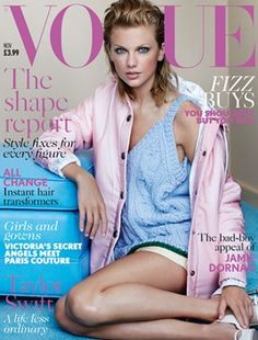 Vogue Cover Debut Taylor Swift British Vogue Cover Debut - November 2014 issue I am completely obsessed with her makeup in this shoot!Taylor Swift British Vogue Cover Debut - November 2014 issue I am completely obsessed with her makeup in this shoot! Vogue Uk, Vogue Magazine Covers, Vogue Covers, Magazine Photos, Gq Magazine, Street Looks, Street Style, Taylor Swift Style, Taylor Alison Swift