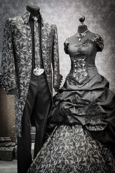 The Original: Lucardis Feist - Dark Couture The Designer for the unusually wedding dress and groom outfits. Feist Style is inspired to a romantic era and make especially bridal dreams for: Steampunk B Black Wedding Gowns, Muslim Wedding Dresses, Bridal Dresses, Wedding Outfits, Halloween Wedding Dresses, Halloween Outfits, Feist Style, Couples Assortis, Steampunk Wedding Dress