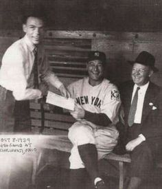 Frank Sinatra in 1939, asking Lou Gehrig for an autograph. - Purpleclover.com