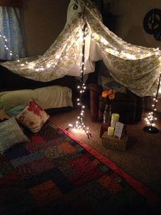Romantic indoor picnic movie night #DIY