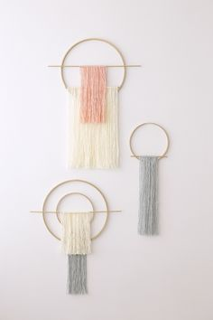 Require extra DIY Home Decor information to lay out any space a splendid make-over? Check the article laid out when you press on the image link. Macrame Wall Hanging Diy, Macrame Art, Macrame Projects, Yarn Wall Art, Diy Wall Art, Diy Wall Decor, Room Decor, Easy Diy Crafts, Diy Home Crafts