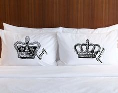 Pillowcases Gift for Couple Mr Mrs Pillow Cases door ZCreateDesign