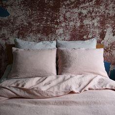 Luksus-sengesæt i stenvasket hør, rosa er lavet af naturligt materiale af højeste kvalitet. Gennemse andre SENGETØJ eller kontakt LinenMe at få et tilbud på en skræddersyet service.