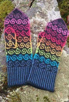 Inspirational points that we definitely like! Knitting Machine Patterns, Knitting Kits, Fair Isle Knitting, Knitting Stitches, Knitting Projects, Knitted Mittens Pattern, Knit Mittens, Knitted Gloves, Wrist Warmers