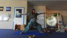 Yoga-Momente: Der sich verneigende Held Art Of Living, Heroes