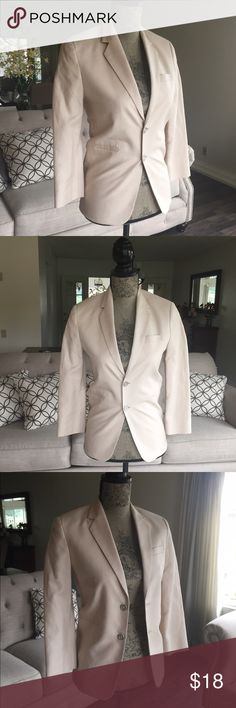 """Linen Blazer Tan linen blazer in great condition. Chest size is 17"""" from armpit to armpit. XSMALL PRICE IS FIRM ty Sean john Jackets & Coats Blazers"""