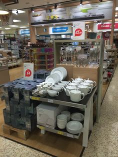 Tesco - Watford - Extra - GM - General Merchandise - Home - Stationery - Entertainment - Layout - Landscape - Lifestyle - visual merchandising - www.clearretailgroup.eu