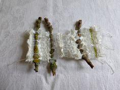 gewebte Platiktüten mit Zweigen (Aussöhnung)