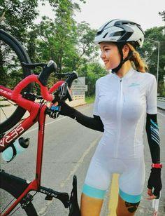 #cyclingchicks