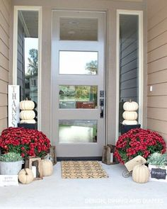 Welcome fall. Do you decorate your porch for every season or just fall and winter? I tend to be more the latter. #fallintohome #designdininganddiapers #chezddd #fall #falldecor #porch #porchdecor #mums #rustic #frontdoor