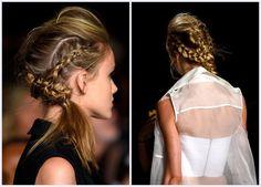 Image issue du site Web http://thebeautybean.com/wp-content/uploads2/2014/09/nyfw-marissa-webb-ss-2015-hair-Braided-Pompadour.jpg