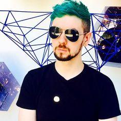 Omg jacksepticeye wearing sunglasses aww so cute Jacksepticeye Drawings, Youtubers, Yandere, Sean William Mcloughlin, Cryaotic, Jack And Mark, Darkiplier, Youtube Gamer, Septiplier