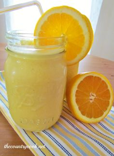 Frosty Orange Juice {Copycat Orange Julius}