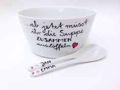 **Dein Hochzeitsgeschenk** mit Wunschnamen _*Hoch Die Tassen*_ ★ liebevoll von Hand beschriftetes Hochzeitsgeschenk : Suppenschale incl Löffel mit Wunschnamen 3-teiliges SET...