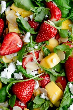 Get your healthy salad fix from Anna Banana Co with this delicious combination of sweet strawberries, juicy mango, vibrant spinach and salty feta cheese. Perfect for lunch, light dinner or as a side dish! salad Fresh & vibrant strawberry and mango salad Healthy Salad Recipes, Healthy Snacks, Vegetarian Recipes, Healthy Eating, Cooking Recipes, Juice Recipes, Veggie Recipes, Soup Recipes, Vegetarian Sweets