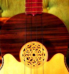 El Cuatro Venezolano. Instrumento de magia, hacedor de sueños: Acordes de alegría, música, ritmos y aprendizaje.