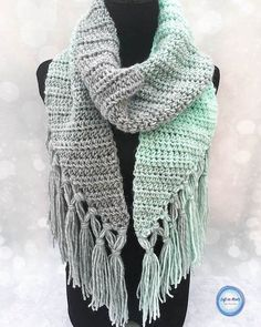 Seven Days of Scarfie 2017 is here! Seven days of seven free @lionbrandyarn Scarfie crochet patterns. Day number one starts with the Mint-circle Scarf. Click the link in my profile to find the free pattern. 〰️ I've never used double-knotted fringe on a scarf before, but holy cow you guys I love it!  Scarfie yarn is such a treat to work with and I hear it's on sale at a lot of different places today. Just sayin  〰️ I hope you will come back and share pictures of your finished projects! U...