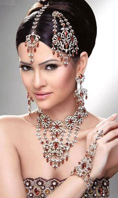 I wanted to show you how I have already lost 24 pounds from a new natural weight loss product and want others to benefit aswell. - Indian Bridal Bling from Blossom Box Jewelry. Pakistani Bridal Jewelry, Indian Wedding Jewelry, Indian Jewelry, Bridal Jewellery, Fancy Jewellery, Indian Weddings, Silver Jewellery, Bridal Makeup Looks, Indian Bridal Makeup