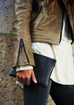 Zipper details.