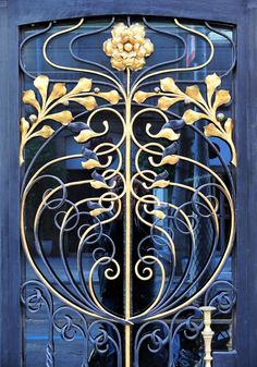 Art Nouveau Wrought Iron Door in Barcelona,… Beautiful blue & gold floral design. Art Nouveau Wrought Iron Door in Barcelona, Spain - Door Architecture Art Nouveau, Art And Architecture, Architecture Details, Design Art Nouveau, Motif Art Deco, Cool Doors, Unique Doors, Art Nouveau Arquitectura, Jugendstil Design