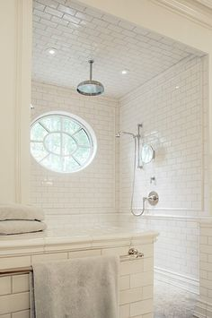 I love white subway tile in a bathroom. It's so classic, so perfect.