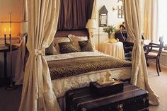 cheetah themed rooms | ... Trends in Home Decorating Bring Animal Prints into Modern Room Decor