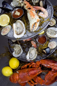 :: The River Seafood & Oyster Bar ::  Great selection of fresh oysters daily & an awesome bar staff ~