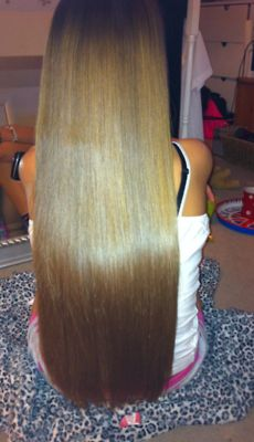 A true straightener lover would know she has a small crease on her left side but still rele prettyy