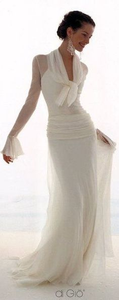 Le Spose di Giò - Balayi Vestidos - Brautmodengeschäft Berlín y Hamburgo - Balayi Vestidos – Brautmodengeschäft Berlín y Hamburgo Le Spose di Giò – Balayi Vestidos – Brautmodengeschäft Berlín y Hamburgo – … Unique Dresses, Pretty Dresses, Mature Bride Dresses, Beautiful Gowns, Beautiful Outfits, Gorgeous Dress, Beautiful Bride, Bridal Gowns, Wedding Gowns