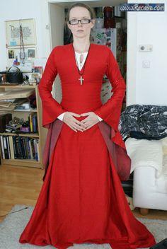 www.racaire.com - my 12th century silk dress - sewing progress :)