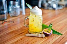 Ром, пюре маракуи, сироп личи, сок ананаса, пена лимонная молекулярная, долька ананаса.  Разработка тематической коктейльной карты.  #bar #cocktails #drinks #mixdrinks #коктейли #бар #кейтеринг #concept #conceptcatering