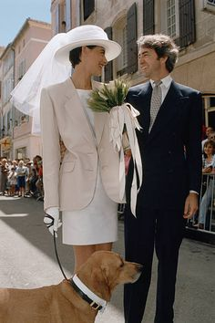 French model and fashion designer Ines de La Fressange and Luigi d'Urso walking towards the town hall of Tarascon, with their dog, for their wedding ceremony. After suffering a heart attack, d'Urso died at the age of on the 23 March in Paris. Wedding Looks, Dream Wedding, Trend Fashion, Fashion Design, City Hall Wedding, Wedding Ceremony, Informal Weddings, Bridal Gowns, Wedding Dresses