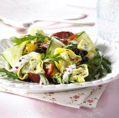 Unser beliebtes Rezept für Tortellini-Salat mit Cabanossi und mehr als 55.000 weitere kostenlose Rezepte auf LECKER.de.