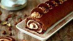 Tiramisukääretorttu on ihanasti erilainen leivonnainen juhlahetkiin tai arkisiin herkutteluhetkiin. Siinä maistuu kahvi, suklaa ja amaretto. Tiramisu, Feta, Bread, Recipes, Mascarpone, Healthy, Tiramisu Cake, Bakeries, Breads