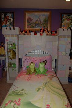 Disney Princess bedroom; Princess and the Frog; decorating www.mydisneylove.com
