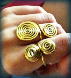 Anelli filo d'alluminio (oro)  https://www.facebook.com/jewelleryofG
