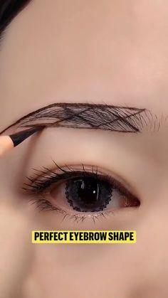 Eyebrow Makeup Tips, Makeup Eye Looks, Makeup Guide, Beauty Makeup Tips, Cute Makeup, Skin Makeup, Eyeshadow Makeup, Eyeshadow Tips, Beautiful Eye Makeup