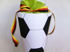 ♥Fussball ! Stoff-Schultüte, Zuckertüte ♥ von maximino auf DaWanda.com